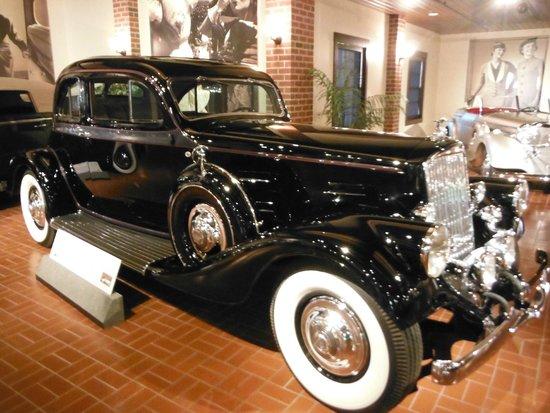 Gilmore Car Museum: Pierce-Arrow '34