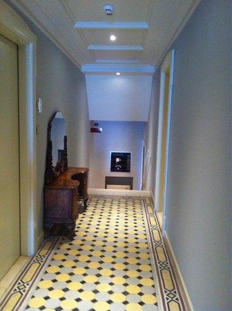 Hotel Gardenia al Lago: Hallway