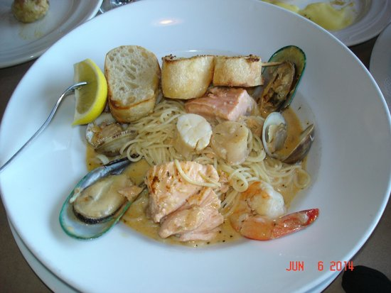 Ports O'Call Waterfront Dining: Seafood Pastalaya ($22).  Excellent!