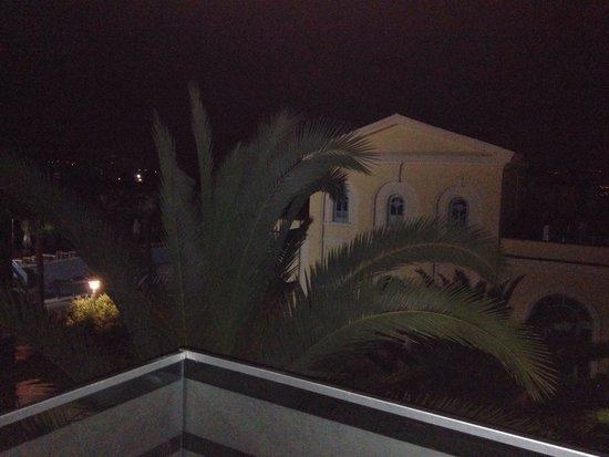 Hotel Tivoli : Vista dal terrazzo di notte