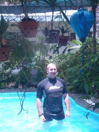 Botanic Garden Homestay: Homestay Pool