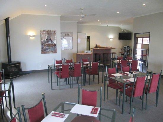 Palm City Motor Inn : Dining area in restaurant