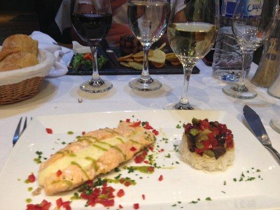 L'Annexe : Gorgeous Salmon Dish