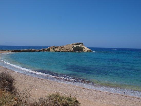 Lefkos Beach: Lefkos la spiaggia a destra, quella più esposta