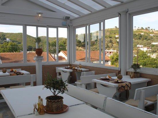 Nectar ambrosia mediterranean restaurant troulos for Ambrosia mediterranean cuisine