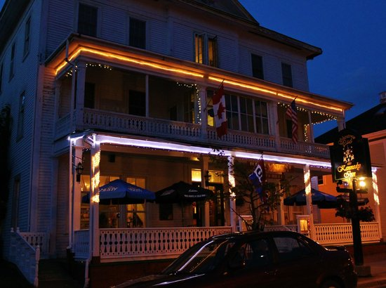 Kennedy Inn : Very nice curb appeal