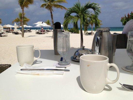 Bucuti & Tara Beach Resort Aruba: Breakfast with a view