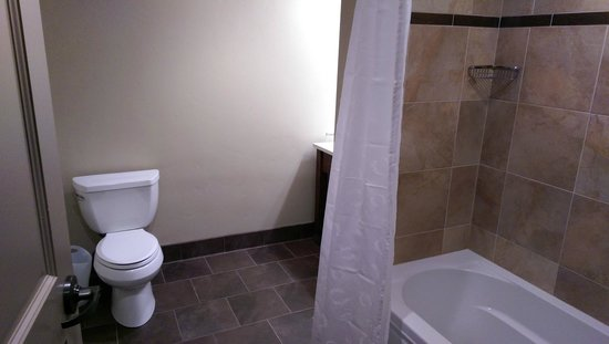 Sheraton Steamboat Resort Villas: Big bathroom inside one bedroom suite