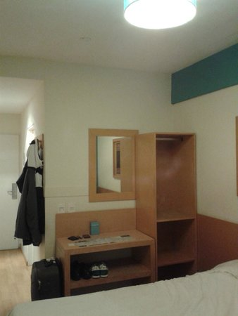 Circus Hostel & Hotel : Double Bed Room.