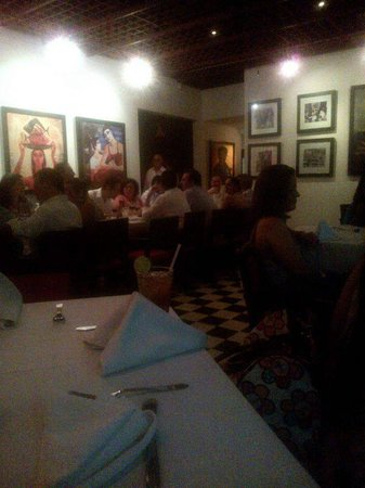 Bar Restaurante La Cueva : Sala principal