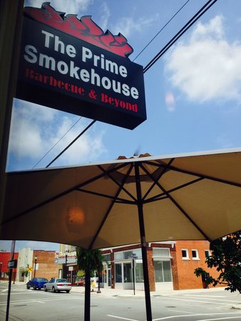 The Prime Smokehouse Barbecue & Beyond: Prime Smokehouse Outside