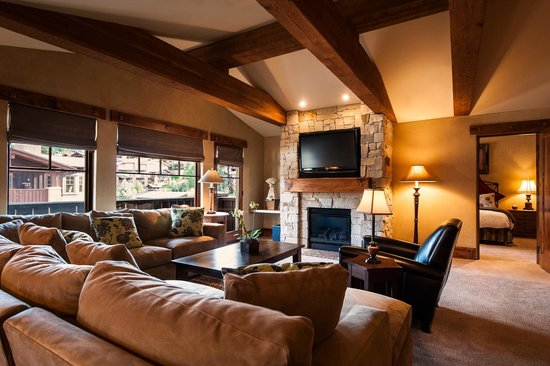 The Chateaux Deer Valley: Living Room