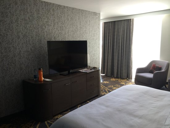 The Westin Cleveland Downtown : master tv