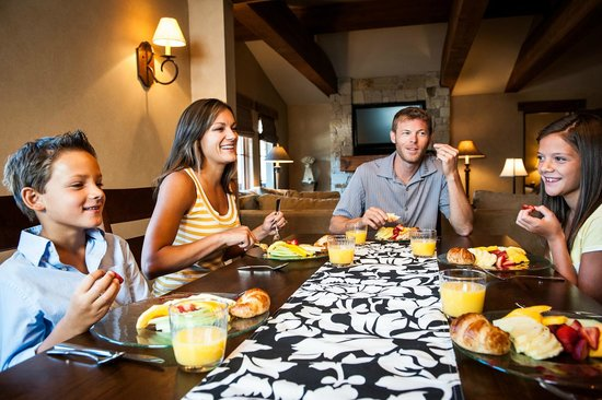 The Chateaux Deer Valley: In Room Dining