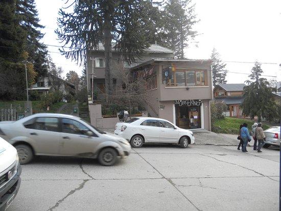 Hosteria Portofino: frente de la hosteria