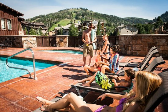 The Chateaux Deer Valley: Pool & Hot Tub