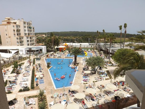Hipotels Coma Gran Aparthotel : The new pool and splash pool and play park