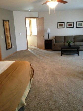 Holiday Inn Express Wisconsin Dells: Master Bedroom