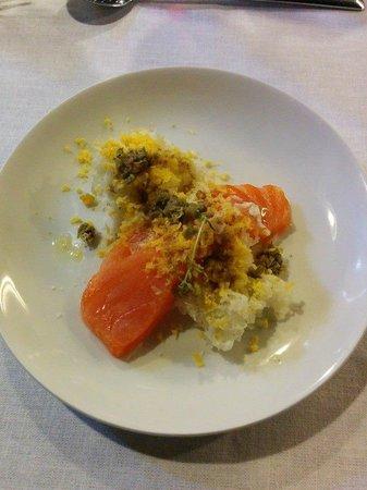 Magda Subirana: Suprema de salmón marinado con Seagram's, naranja y romero