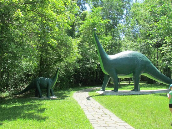 Morrisburg, Canada: Prehistoric World June 2014