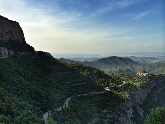 Barcelona Turisme - Afternoon in Montserrat Tour: Views enroute