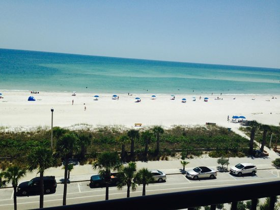Holiday Inn Sarasota - Lido Beach : View from our balcony