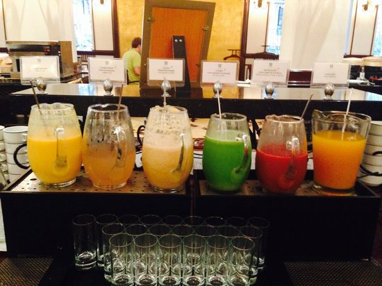 Sofitel Legend Metropole Hanoi: Breakfast juice selection (rotated each day)