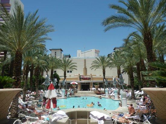 Flamingo Las Vegas Hotel & Casino: Pool