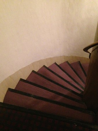 Hotel Clauzel: Stairwell