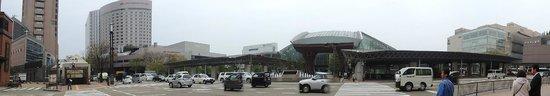 Hotel Econo Kanazawa Ekimae : View of hotel from station