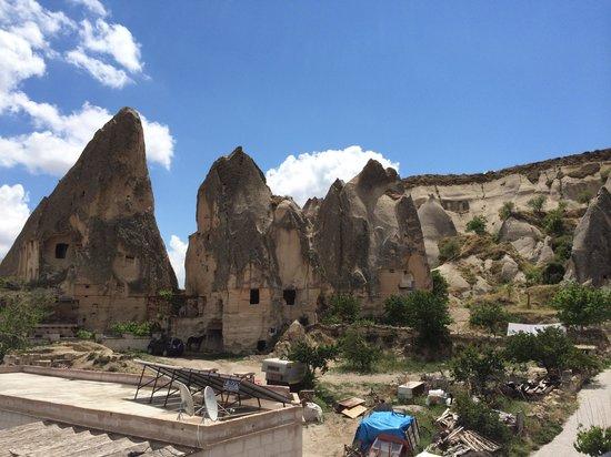 Cappadocia Stone Palace: 호텔 앞