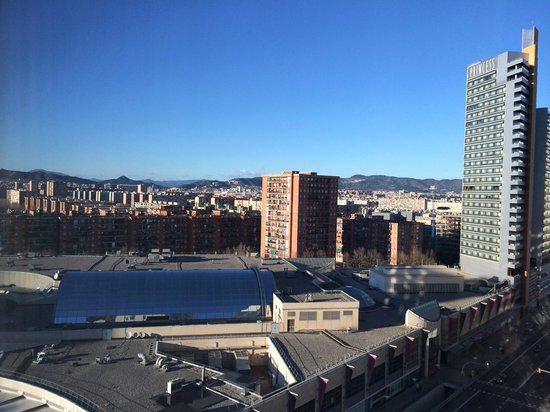 Hilton Diagonal Mar Barcelona: Looking North East over the Mall and the Mountains