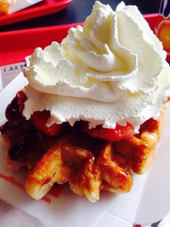 Waffle Factory: Strawberry Waffle