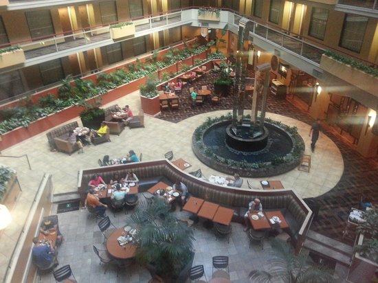Embassy Suites by Hilton San Antonio Airport: Lobby