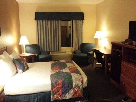 Best Western Wheatland Inn: Room