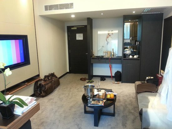 Pan Pacific Orchard: Suite (Living area)