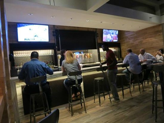 The Westin O'Hare : Bar Area