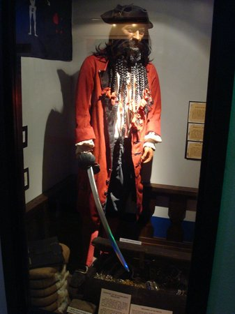 Teach's Hole Blackbeard Exhibit: Blackbeard