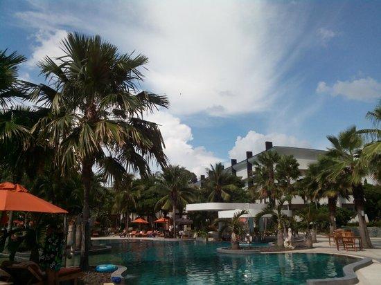 Amari Garden Pattaya: Pool (Ocean Tower)