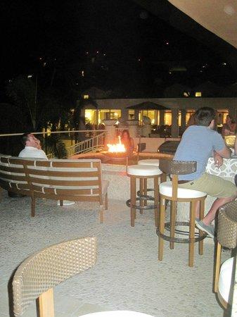 InterContinental San Juan: Bar off main lobby