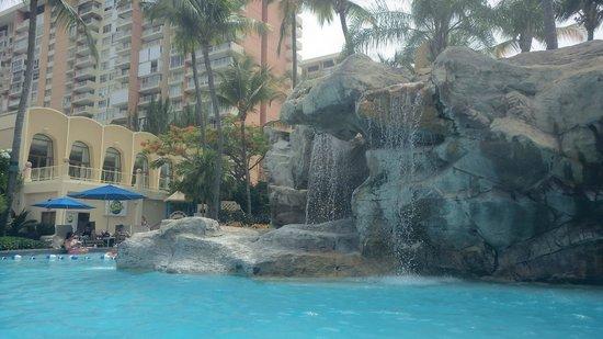 InterContinental San Juan: waterfalls by the pool