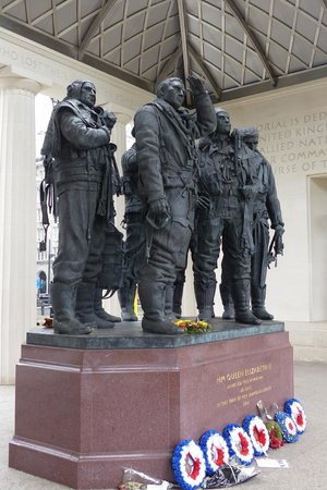 Bomber Command Memorial - detailed sculpture