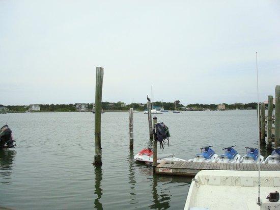 Jolly Roger Pub and Marina: The Silver Lake Harbor