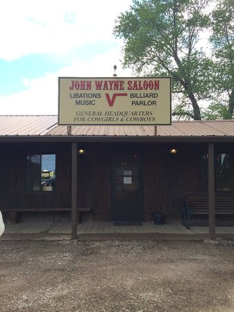 Vee Bar Guest Ranch : John Wayne Saloon