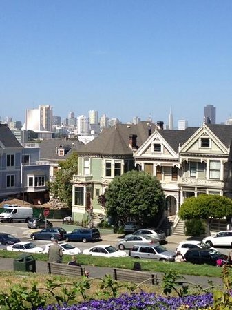 Alamo Square : Great views...