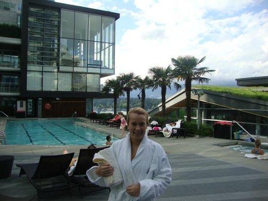 Fairmont Pacific Rim : The pool