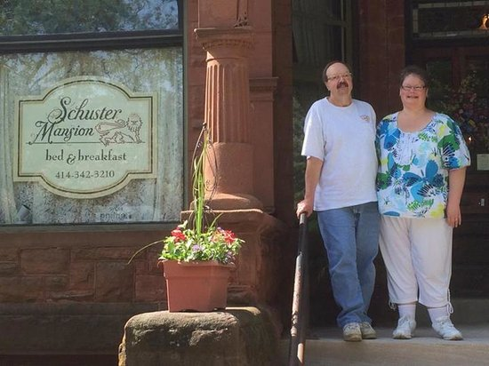 Schuster Mansion Bed & Breakfast: Love