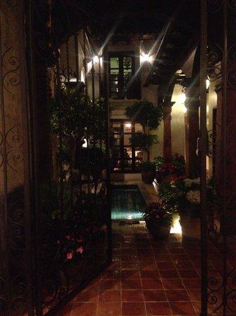 La Joya Hotel San Cristobal: Entrada simplemente hermosa