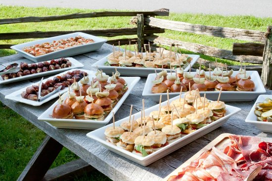 Inn at Little Pond Farm: Beautifully presented Hors d'oeuvres