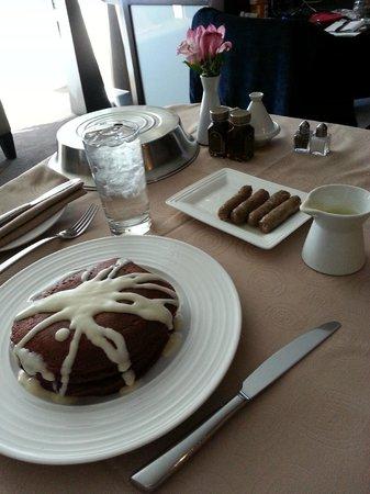 ARIA Resort & Casino: Red Velvet pancakes/room service
